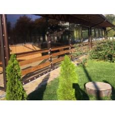 Мягкие окна ПВХ для летней площадки кафе, крепление на скобы с ремешками